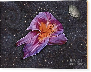 A Daylily Bloom Rockets To The Moon Wood Print by ImagesAsArt Photos And Graphics