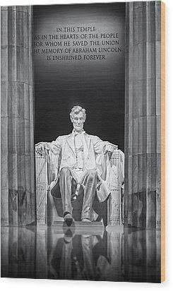 Abraham Lincoln Memorial Wood Print by Susan Candelario