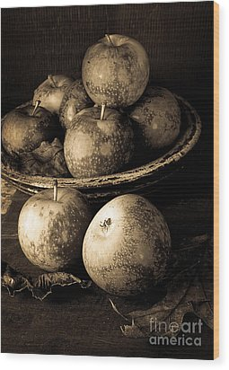 Apple Still Life Black And White Wood Print by Edward Fielding