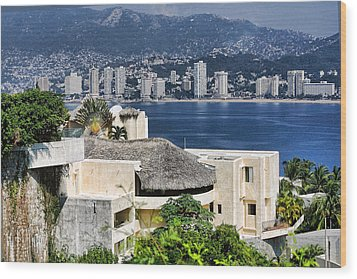 Architecture With Ith Acapulco Skyline Wood Print by Linda Phelps