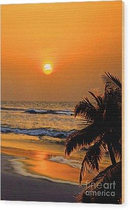 Atlantic Sun Rising Wood Print by Kathy Baccari