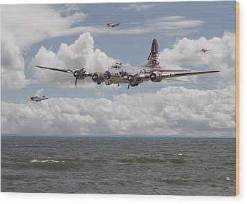 B17 The Hardest Mile Wood Print by Pat Speirs