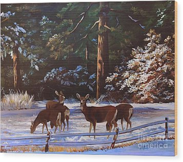 Backyard Visitors Wood Print by Suzanne Schaefer