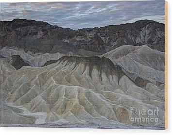 Badlands At Sunrise. Death Valley Wood Print by Juli Scalzi