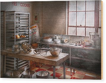 Baker - Kitchen - The Commercial Bakery  Wood Print by Mike Savad