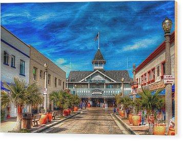 Balboa Pavilion Wood Print by Jim Carrell