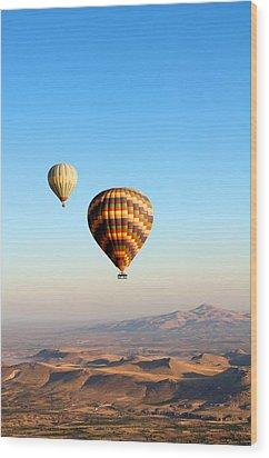 Balloon Wood Print by Ernesto Cinquepalmi