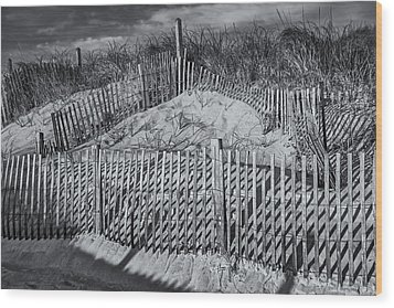 Beach Fence Bw Wood Print by Susan Candelario