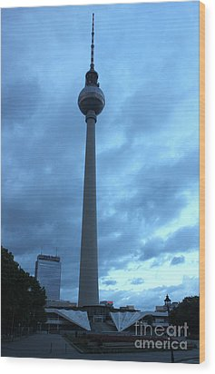 Berlin - Berliner Fernsehturm - Radio Tower No.02 Wood Print by Gregory Dyer