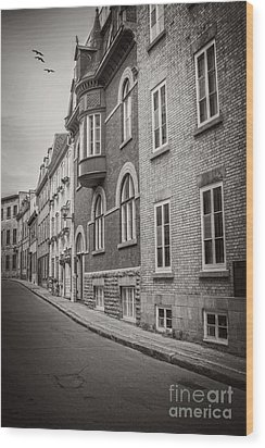 Black And White Old Style Photo Of Old Quebec City Wood Print by Edward Fielding