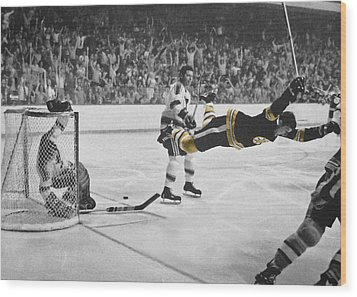 Bobby Orr 2 Wood Print by Andrew Fare