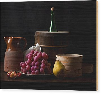 Bodegon With Grapes-pear And Boxes Wood Print by Levin Rodriguez