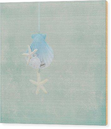 Christmas Starfish Wood Print by Kim Hojnacki