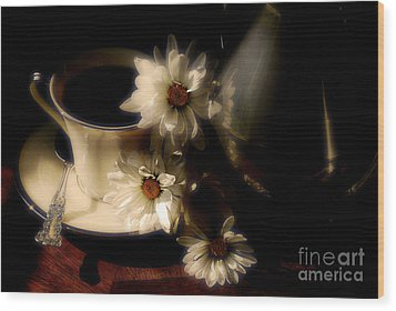 Coffee And Daisies  Wood Print by Lois Bryan