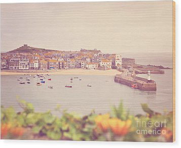 Cornish Harbour Wood Print by Lyn Randle