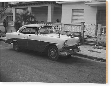 Cuban Car Wood Print by Norman Pogson