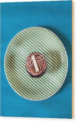 Cupcake  Wood Print by Tom Gowanlock