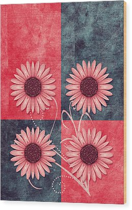 Daisy Quatro V13b Wood Print by Variance Collections