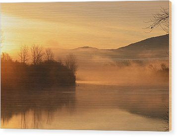 Dawn On The Kootenai River Wood Print by Annie Pflueger