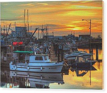 Dawn's Early Light Wood Print by Randy Hall