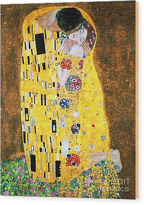 Der Kuss Or The Kiss By Gustav Klimt Wood Print by Pg Reproductions