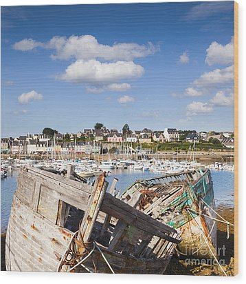Derelict Fishing Boats Camaret Sur Mer Brittany Wood Print by Colin and Linda McKie