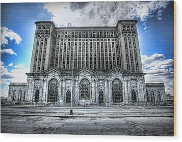 Detroit's Abandoned Michigan Central Train Station Depot Wood Print by Gordon Dean II