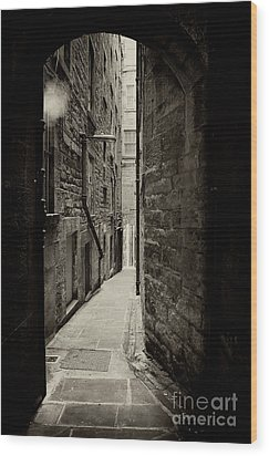 Edinburgh Alley Sepia Wood Print by Jane Rix