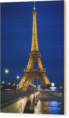 Eiffel Tower By Night Wood Print by Inge Johnsson