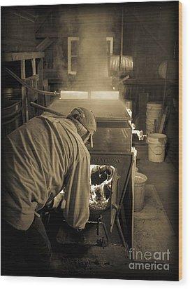 Feeding The Beast Wood Print by Edward Fielding
