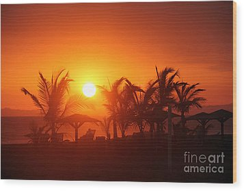 Fire Ball Sunset Wood Print by Bob Hislop