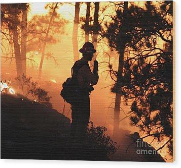 Wood Print featuring the photograph Firefighter At Night On The White Draw Fire by Bill Gabbert