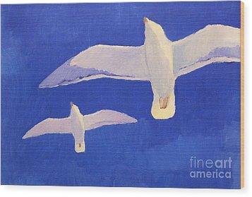 Flying Seagulls Wood Print by Lutz Baar