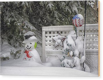 Frosty The Snow Man Wood Print by Thomas Woolworth