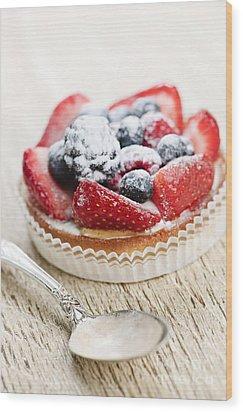 Fruit Tart With Spoon Wood Print by Elena Elisseeva