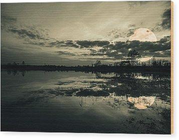 Full Moon Wood Print by Jaroslaw Grudzinski
