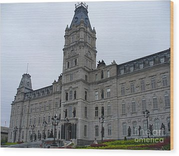 Full View Of Quebec's Parliament Building Wood Print by Lingfai Leung