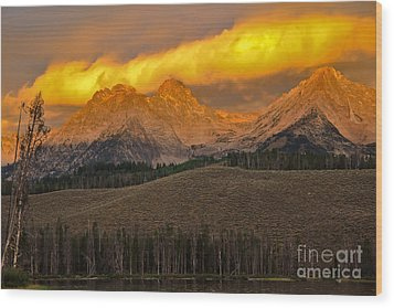 Glowing Sawtooth Mountains Wood Print by Robert Bales