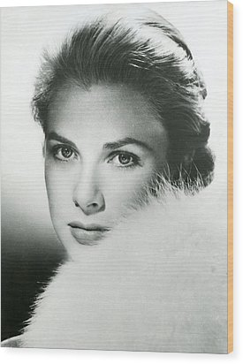 Grace Kelly Close Up Wood Print by Retro Images Archive