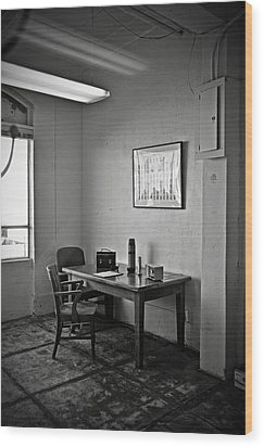 Guard Dining Area In Alcatraz Prison Wood Print by RicardMN Photography