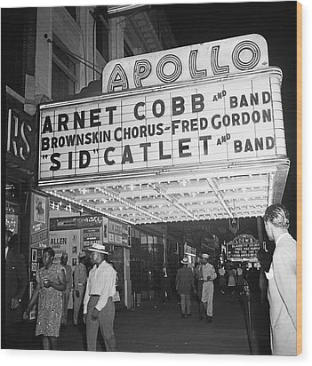 Harlem's Apollo Theater Wood Print by Underwood Archives Gottlieb