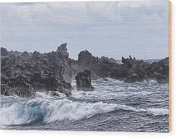 Hawaii Waves V1 Wood Print by Douglas Barnard