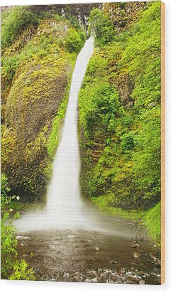 Horsetail Falls In The Spring Wood Print by Jeff Swan