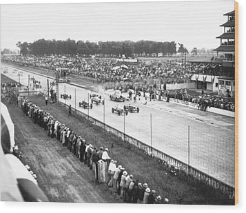 Indy 500 Auto Race Wood Print by Underwood Archives