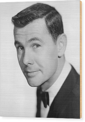 Johnny Carson Wood Print by Silver Screen