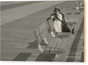 Just Chilling Wood Print by Jeff Breiman