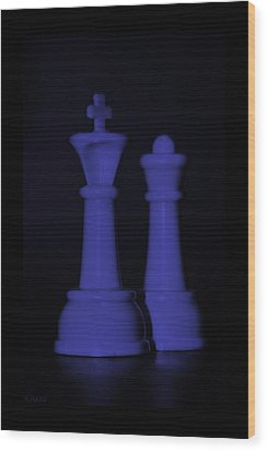 King And Queen In Purple Wood Print by Rob Hans