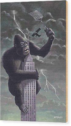 King Kong Plane Swatter Wood Print by Martin Davey