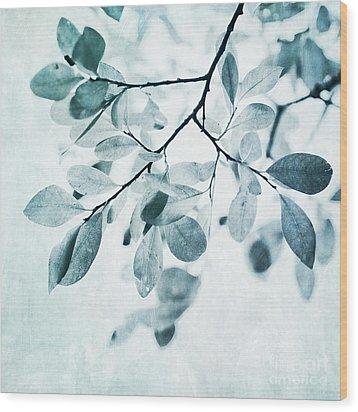 Leaves In Dusty Blue Wood Print by Priska Wettstein