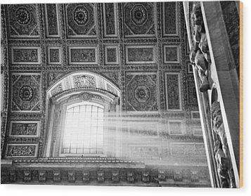 Light Beams In St. Peter's Basillica Wood Print by Susan Schmitz